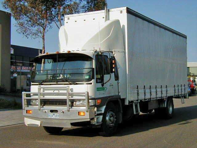 04013 Hino Full Aerokit - newer model has new Fuelscoop